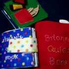 最近懒得拍做衣服的程序,真的是做了好多但是都没拍。。。拍个玩具书吧!#宝宝##手工##做玩具#