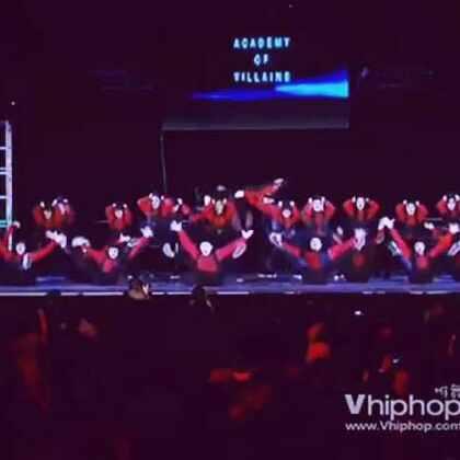 #舞蹈#绝了!一定看完,要不后悔啊!这么多人的齐舞,如此的整齐!音乐,编舞,服装和背景结合出的视觉效果简直了!赞赞赞!#街舞##街舞hiphop##创意舞蹈#