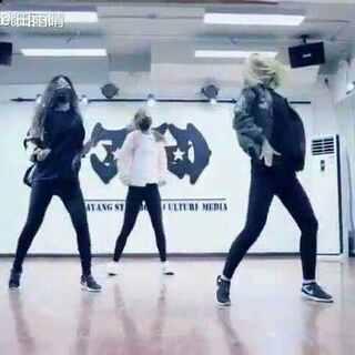 MiniSisiter#NCT##第七感##我要上热门##美拍新人王##00后舞蹈大赛##最美舞者#@舞蹈频道官方账号 @@美拍小助手