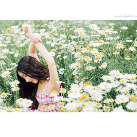 高清无码浅之美波白袜诱惑漂亮的美女图片