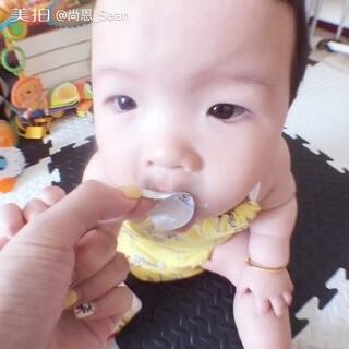 8+11☝️吃钙镁锌感觉品尝到了人间美味😂请问👉🏿我从小就舔盖像sei🙄️#宝宝##520萌照#
