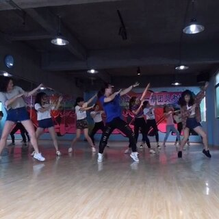 嘻哈红人舞蹈工作室——😱😆魔性舞蹈,不信试试点开!!!👯👯#咋了爸爸##我要上热门#