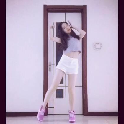 EXID-L.I.E🎀我又来了 这个更新速度你们有没有爱上我😎正花的部分录了20多遍了 实在驾驭不了 所以就成了这熊样了 求轻喷😭虽然舞蹈这样了 腿还是能看的😂你们就多看看腿吧 喜欢的点赞➕关注我吧么么😫#敏雅音乐##舞蹈##韩舞#@敏雅可乐 @美拍小助手 欧巴翻个牌吧😭