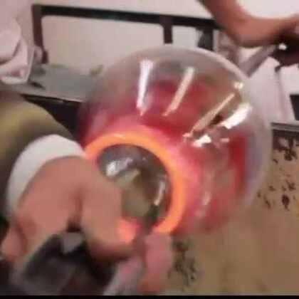 #涨姿势#大神纯手工制作多彩玻璃瓶,真漂亮!