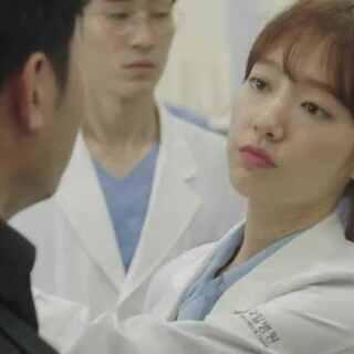 #doctors#昨晚首播的《doctors》一开始就上演朴信惠与黑帮群斗,会打架的白衣天使,你们还习惯吗?😂😂#朴信惠##韩剧#