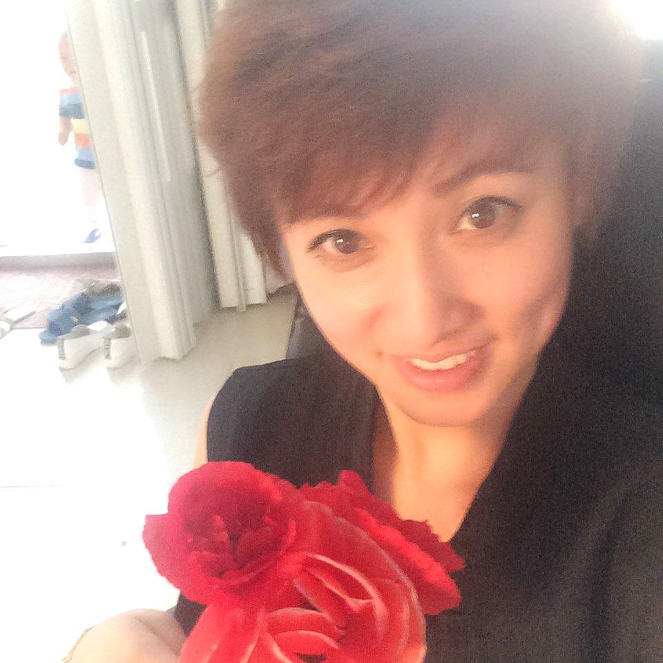 王丽呻素颜短发发型图片