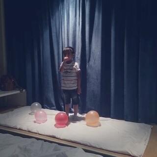 #日常##舞蹈##good boy#两个逗比晚上来作妖了🌚完全毁舞蹈系列😂#宝宝#五岁,表示这个视频是来#搞笑#的,如果不妥我们删了就好🙏求别喷🙈🙈🙈爱你们yoyoyo求赞转评👏🏻这个更新速度还妥吗各位小主🙌🏻