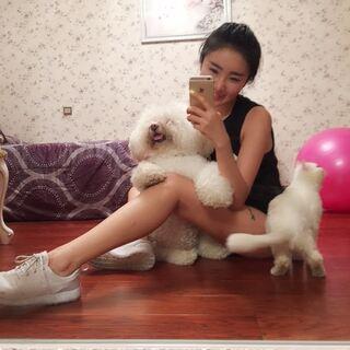 宝贝们,今天第一次跟姐姐运动感觉怎么样呀😁姐姐很开心,流了好多汗好舒胡😁😁😁周五姐姐带大家虐腹!希望能有更多的宝贝参与进来!马甲线走起!!还是8点可好?#健身##瘦腿##dalin健身##直播健身# 我的微博:Dalin不是Linda