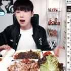 #韩国吃播#【颜值担当】吃灿荞麦面、猪蹄#随手点赞是美德#