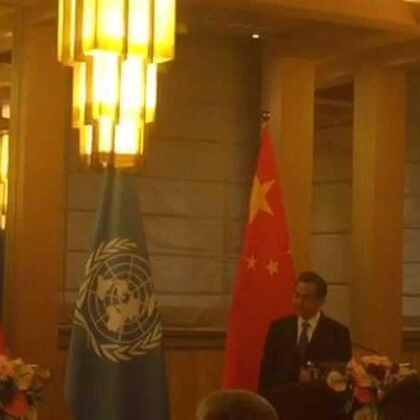 正在北京访问的联合国秘书长潘基文刚刚发表讲话,向中国多个省份发生的严重洪灾所造成的生命损失和破坏表示慰问,并希望无家可归者能够尽快重返家园。