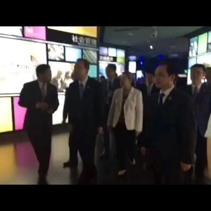 正在苏州访问的秘书长潘基文刚刚参观了苏州工业园区