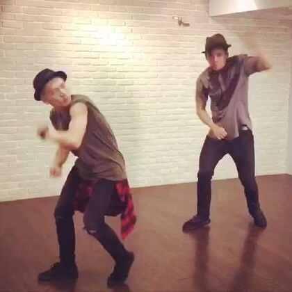 跳跳舞減減肉😎😎@小飛FlyLiao