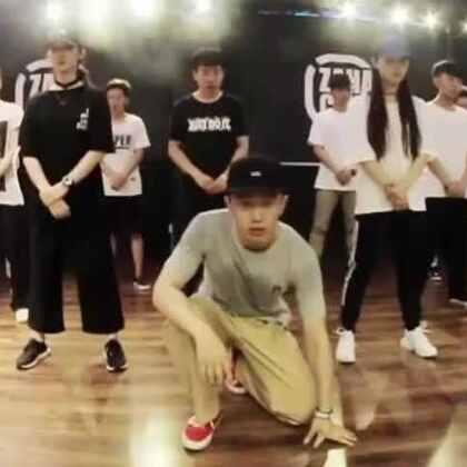 北京嘉禾街舞工作室 Nazin Popping Choreography | 嘉禾嘉禾暑假班火爆进行中,想学最好看最流行的舞蹈就来嘉禾舞蹈工作室。报名热线:400-677-8696。微信账号zahaclub。网站:http://www.jiahewushe.com