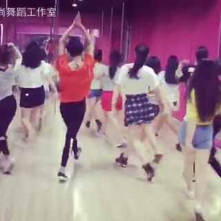 #全民X字摇#😎紧跟话题嗨起来~😂一言不合我就摇#我要上热门##江阴岸尚舞蹈工作室#
