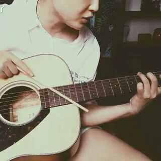 #思念是一种病##吉他弹唱##我和我的木吉他##用筷子弹吉他##最难的竟然是节奏##CPA必过##阿弥陀佛在心间# 他生莫作有情痴 人间无地著相思