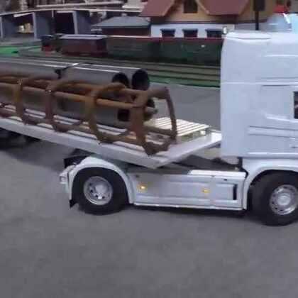 #涨姿势#做工精致的重型卡车模型在进行工作演示
