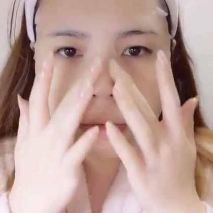 护肤视频。皇后面膜真的太棒,下个月去香港要再背几袋回来~
