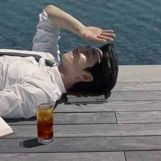 #孔侑#穿西裝真的#帥到流鼻血#!😍 我腦海中都是他在電影#屍速列車#裡的穿西裝奔跑的畫面🔥 #孔劉# 影片來源 Youtube