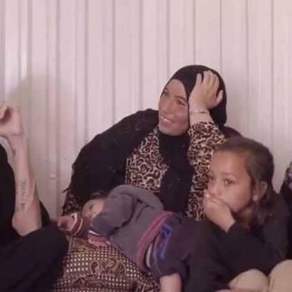 联合国难民署特使安吉丽娜·朱莉9月9日再次前往约旦的阿兹拉克难民营看望叙利亚难民。