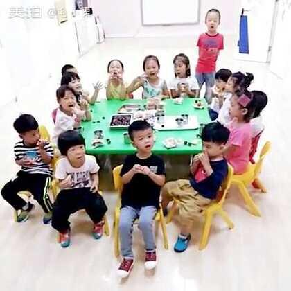 红黄蓝幼儿园的宝贝们祝大家中秋节快乐🎊🎊🎊