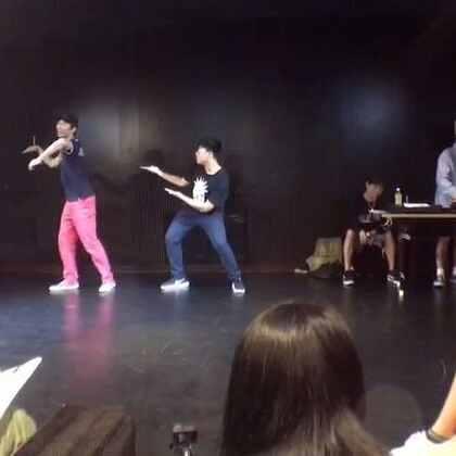 我battle的时候真的好丑😂 Dance with Love vol.2 海选~ 临时组的小伙伴 popping跳的挺不错的哈哈哈
