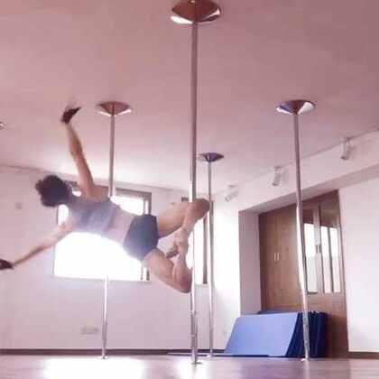Pole dance 自主練習2,一樣累到好想屎,下禮拜再繼續來把沒複習到的複習完