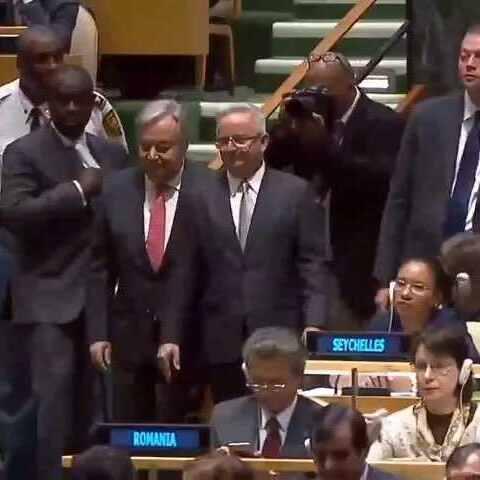 【联合国美拍】10月13日,联大举行全会,以鼓掌...