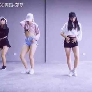 #舞蹈##韩国舞蹈##may j lee##may j lee编舞##work#发烧才好,实在跳不出力气来😣将就着看看吧,下次重新跳,把我们腿都拍好粗😔