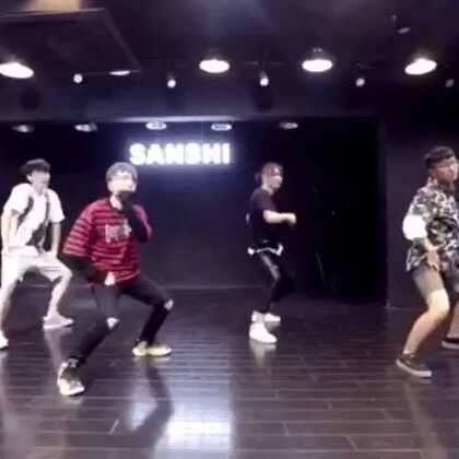 快来点赞啦,我们兄弟两在后面,大家凑活看吧😜😜😜#热门##舞蹈#