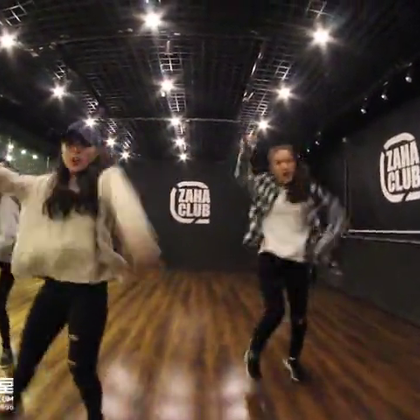 北京嘉禾舞蹈工作室 面包 MV 课程视频 Hard Carry | 想学最好看最流行的舞蹈就来嘉禾舞蹈工作室。报名热线:400-677-8696。微信账号zahaclub。网站:http://www.jiahewushe.com#舞蹈##嘉禾舞社##嘉禾#