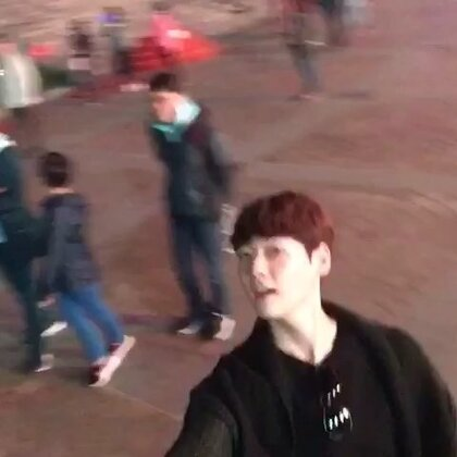昨天晚上刚到韩国又想去在中国其他城市,可能是。。九采购?西安?南京?北京?