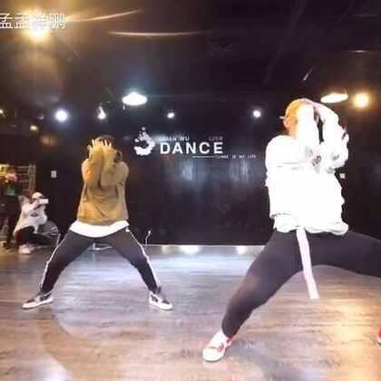 在北京玄舞做的内训😜和酷@RMB鑫儿Amy 一起完成!MV在这个月发出😳#舞蹈#@RMBCrew @RMB-Eleven