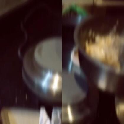 半睡不著覺...自己帶鍋子煮「五穀米」 旅人大推💪🏼💪🏼💪🏼💪🏼💪🏼#旅行##輕巧鍋#