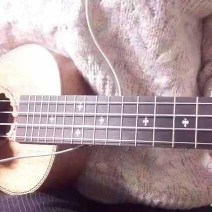 弹吉他唱儿歌的gly的美拍 - 199个美拍短视频