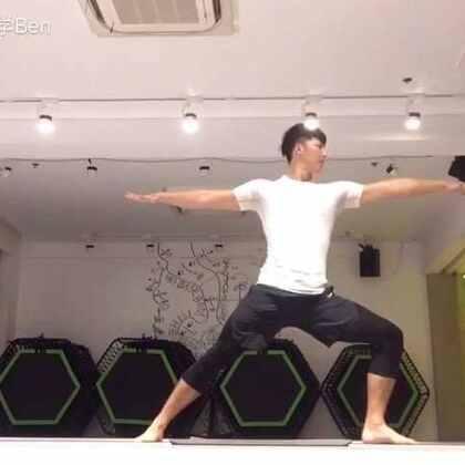 最近在练习瑜伽😊