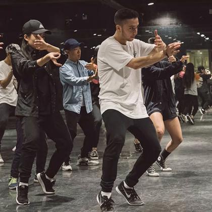 北京嘉禾舞社 Dylan Mayoral 2016 北京Workshop 2nd Class Workin'Day And Night | 想学最好看最流行的舞蹈就来嘉禾舞蹈工作室。报名热线:400-677-8696。微信账号zahaclub。网站:http://www.jiahewushe.com