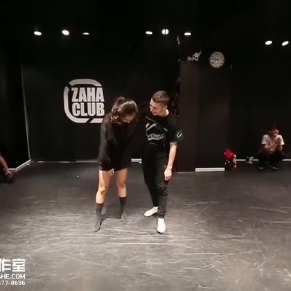 北京嘉禾舞社 Dylan Mayoral 2016 北京Workshop 3rd Class Superhuman | 想学最好看最流行的舞蹈就来嘉禾舞蹈工作室。报名热线:400-677-8696。微信账号zahaclub。网站:http://www.jiahewushe.com