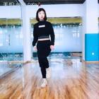 #舞蹈#Seve#正面分解#➕#音乐展示#好多宝宝需要这个分解,这次直接就是录的正面动作,大家学的时候对着视频跟我的方向是一样的,视频里我是右边,大家就是右边~💃😄#我要上热门#微博:http://weibo.com/u/5831070929