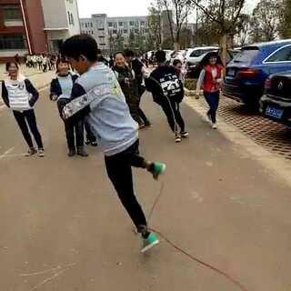 #跳绳大赛##跳绳#在学校里跳绳😂😂😂