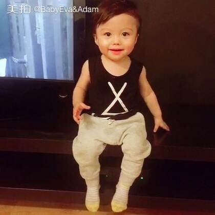 #宝宝##宝宝成长记##混血萌宝adam#13M👶🏻偶尔还会有人说弟弟像马云像韩红😒…妈妈只想说,他们哪有我这么可爱😑😑😑@美拍小助手 @宝宝频道官方账号
