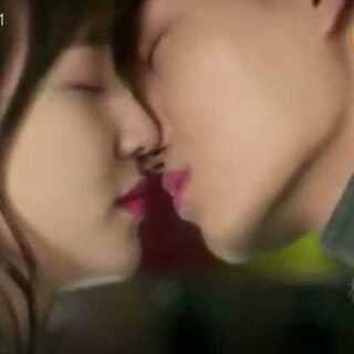 EXO的成员们接吻锦集,有没有很心痛#exo##接吻##我要上热门#
