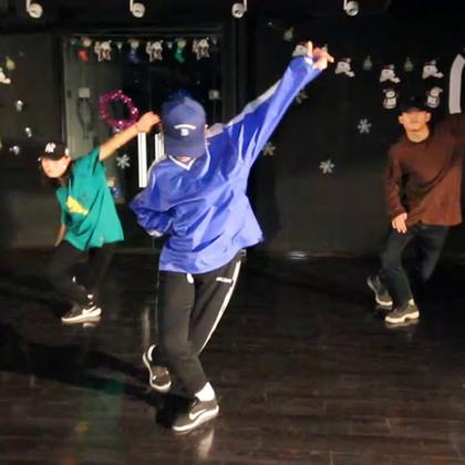 北京嘉禾舞社 西安未央店 @嘉禾舞社西安未央店 Marino 编舞 Bunny ranch | 想学最好看最流行的舞蹈就来嘉禾舞蹈工作室。报名热线:400-677-8696。微信账号zahaclub。网站:http://www.jiahewushe.com #舞蹈##嘉禾舞社##嘉禾#