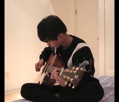 #王俊凯#吉他弹唱#告白气球#,有没有撩到你~😚