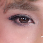 想要忽闪忽闪的大眼睛却不能一直活在美颜相机里...开眼角、戴美瞳,眼线都快画到眉毛上了...都不如在睫毛上做足功夫。Angelababay范冰冰的眼睛那么美能勾走男神,因为她们有你不知道的假睫毛招数!你的假睫毛该更新啦!#小红唇TV##姐是妆出来的#
