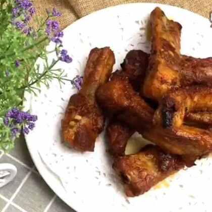烤猪排!太美了……吃的时候我都没有配米饭!配上刚做的辣白菜,爽口到家了……全吃光!#美食##地方美食##美食作业##韩国美食#