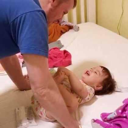 年底过完就大减价了,在沃尔玛买了10几件一块钱一件的衣服😅 #宝宝##混血宝宝#