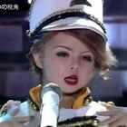 英国7岁小萝莉 小Xia 模仿霉霉Taylor Swift火爆网络... 整个一巨星风范😍表情眼神简直神同步,真像缩小版的霉霉,萌翻了😊#萌宝##模仿秀#
