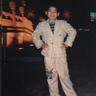 贱哥小时候这样的😂#小时候我长这样##小时候最丑照#
