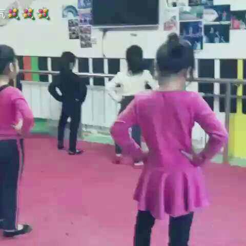 舞蹈日常训练#舞蹈# - 舞蹈视频 - 近距离艺术学