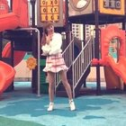 TT-Twice💦一把年纪跳这么可爱的舞...不过还好我脸皮比较厚👀我穿了袜子 所以不冷,也穿了打底裤 所以.....🙂就是风快把我吹傻了 有没站稳的地方😂#舞蹈##敏雅音乐##我要上热门#@美拍小助手 @敏雅可乐 @舞蹈频道官方账号 还有 祝大家小年哈皮噢‼️